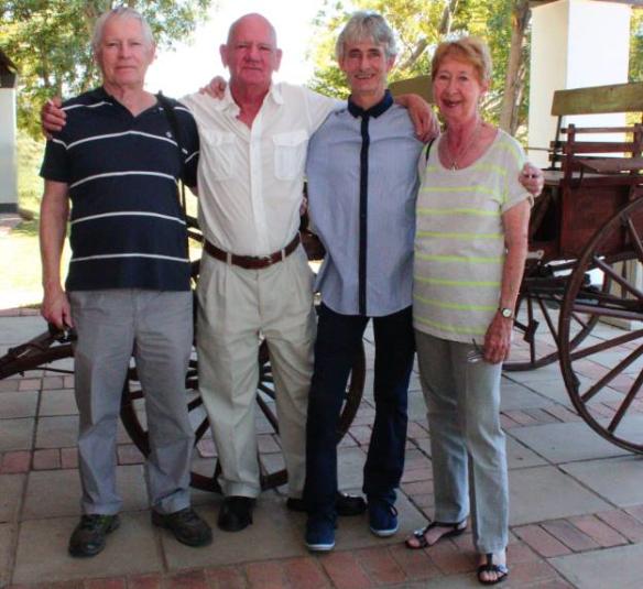 משמאל לימין: טרברס הריס, ג'ו ואן סטאדן, אנדרו ג'קסון, מולי ג'לי