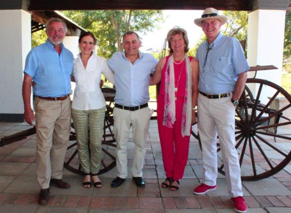 משמאל לימין: ארנסט קורבט, תמי, דני, גאי קורבט, מרק שרפלר